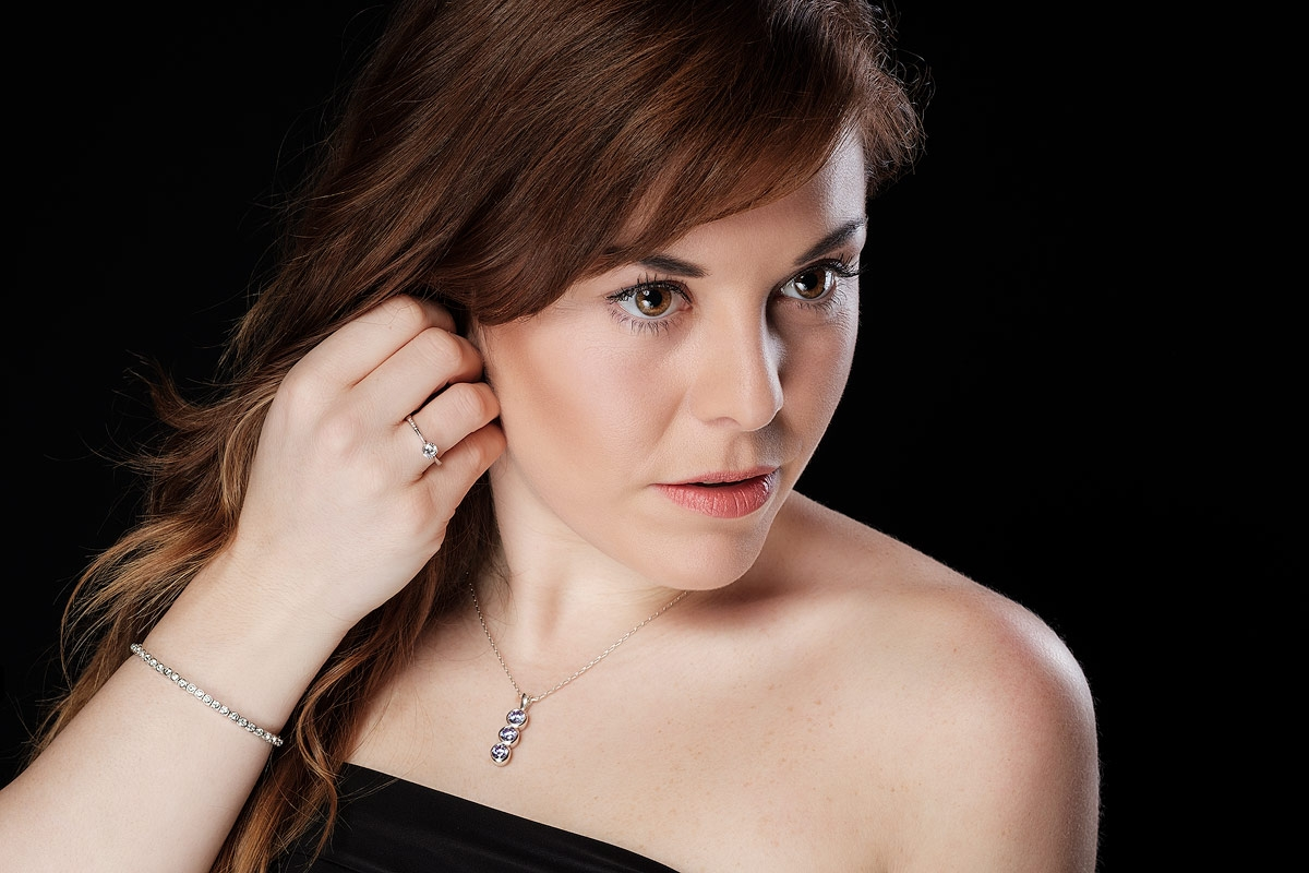 Jewellery model Aimee looking off-camera